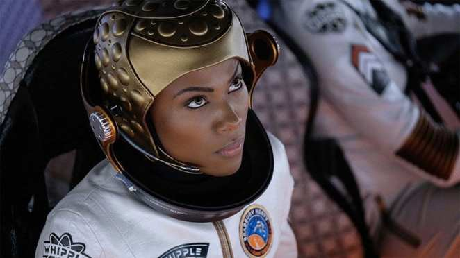 """DeWanda Wise as Commander Brandt in the Twilight Zone episode """"Six Degrees of Freedom"""""""