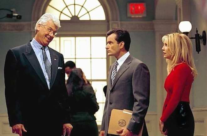 Mayor Winston adjusts to life without Mike and a new deputy mayor in Spin City