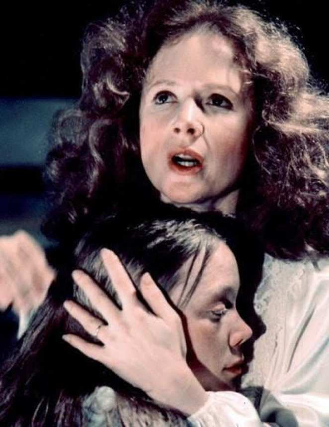 Piper Laurie with Sissy Spacek in Carrie