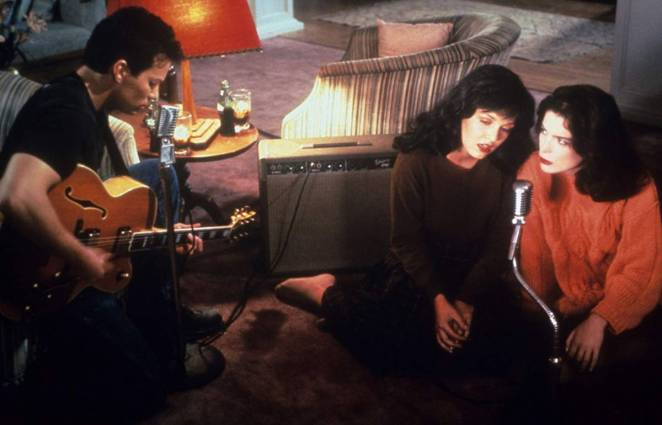 """James (James Marshall) sings """"Just You"""" with Donna (Lara Flynn Boyle) and Maddy (Sheryl Lee) in Twin Peaks"""