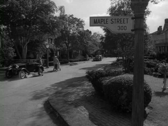 Maple Street: Where Paranoia is behind closed doors