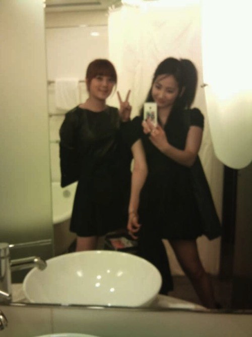 101204 Yeeun's Twitter  그동안올라온 사진들은 모두.. 이곳에서 ㅋㅋㅋ All the pictures that didn't get posted before.. on here kekeke