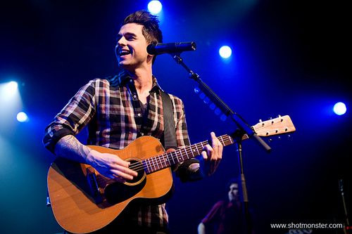 Chris Carrabba, o fundador do Dashboard Confessional (foto: www.shotmonster.com)