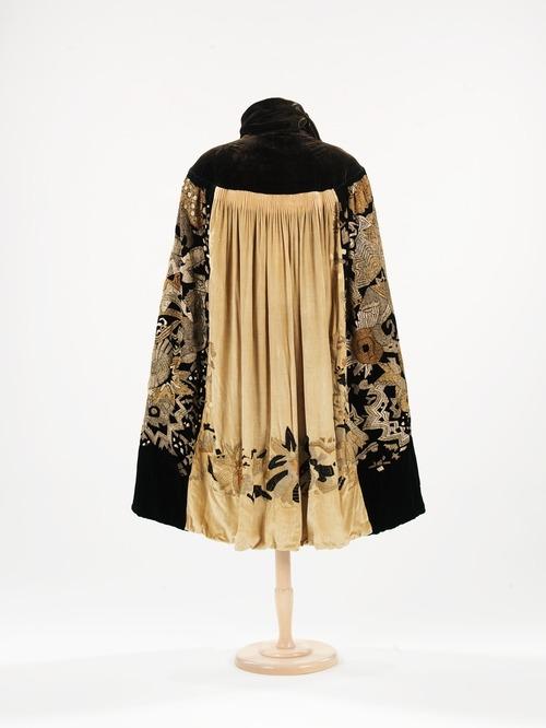 Cape ca. 1925 via The Costume Institute of the Metropolitan Museum of Art