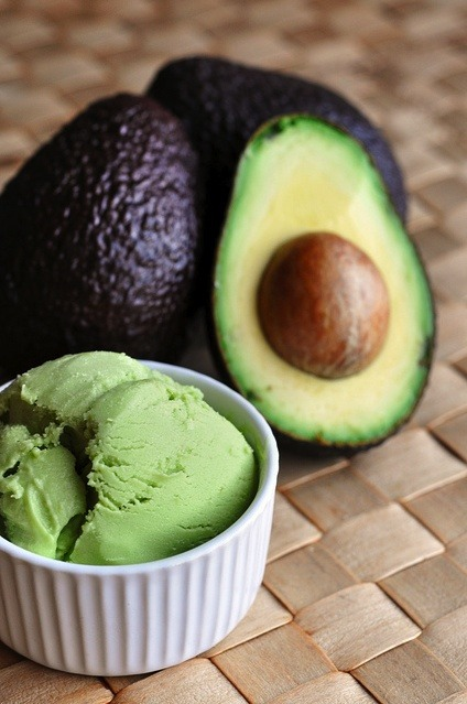"""Avocado Frozen Yogurt"""