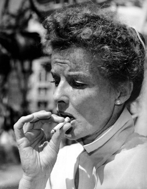 """From Katharine Hepburn's 1981interviewwith Barbara Walters:Hepburn: """"I havenotlived as a woman. I have lived as a man…I've just done what I damn well wanted to and I made enough money to support myself. And I ain't afraid of being alone.""""Walters: """"Is that why also you wear pants?""""Hepburn: """"No, I just wore pants because they're comfortable.""""Walters: """"Do you ever wear a skirt, by the way?""""Hepburn: """"I have one.""""Walters: """"You haveone.""""Hepburn: """"I'll wear it to your funeral.""""(via/photovia)"""