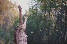 """""""Senhor,eu quero ser diferente,ser uma adoradora que te adora em espírito e em verdade."""""""