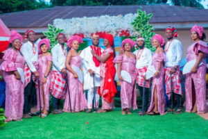 """Nigerian lady finally weds her lover after she knelt down to accept his proposal because he chose her """"after seeing plenty v*gina"""""""
