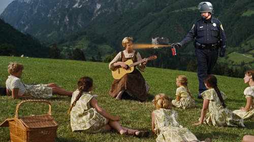 """Here at the University Of Austria we like to have beautiful musical times whilst sitting in the park! Sing along, everybody, and let us rejoice in the wonder of some traditional folk songsAUAUAUHAGAHAGAHAGAHHGHHHHHHHHHHHHHHHHHH"""