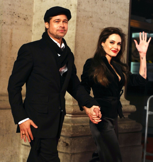 suicideblonde: Brad Pitt and Angelina Jolie at the Rome premiere of The