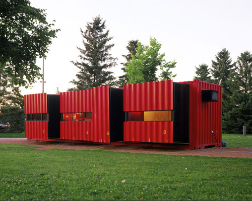 There are more than 300 million shipping containers sitting empty at ports around the world. Why not make some of them your new home? 8 eye-catching shipping container homes