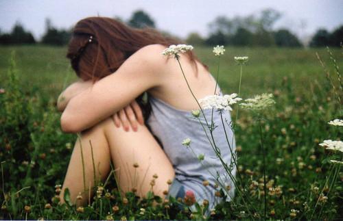 """""""Quando penso que estou sofrendo por """"gostar"""" de alguém,esqueço-me que JESUS sofreu e morreu por me amar…"""""""