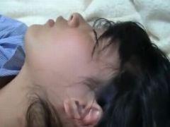 【無修正】娘を睡眠薬で眠らせてカラダを陵辱する父親の記録映像
