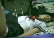【ガチレイプ】眠らされて完全無反応な女子校生をハメ撮りレイプ!