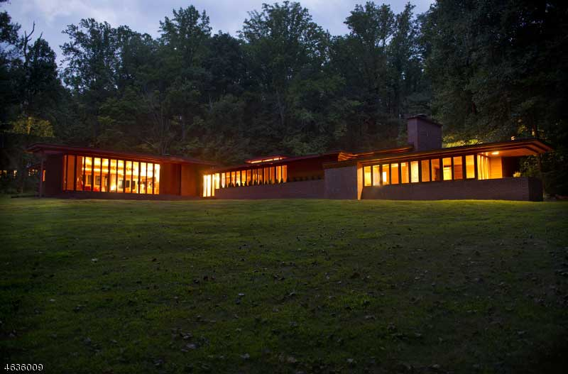 One Of Frank Lloyd Wrights Four New Jersey Homes Hits The