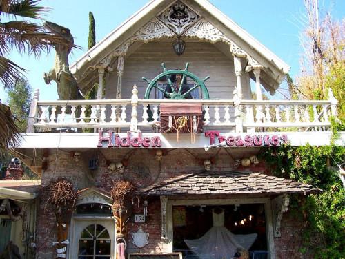 Hidden Treasures, Topanga Canyon Boulevard, Topanga.