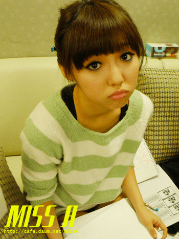 110117 [Official] miss A  Breathe, 대기실에서 : 민의 초절정 귀여움! Breathe, in the waiting room : Min's complete cuteness!