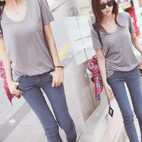 Grey T-shirt with jeans