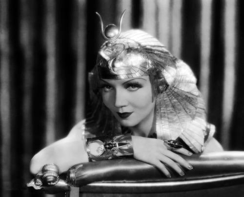 Claudette Colbert como Cleópatra (Cecil B DeMille, 1934)