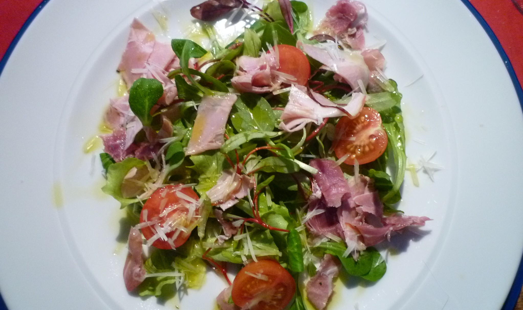 Salat mit Limonen Olivenöl