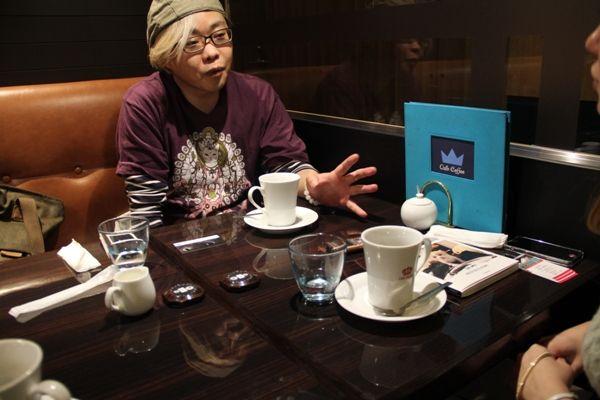 カフェでのひとコマ
