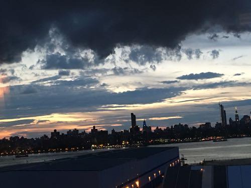 Wythe Hotel,ワイスホテル,The Ides,ニューヨーク,マンハッタン,夜景,ブルックリン,ウィリアムズバーグ