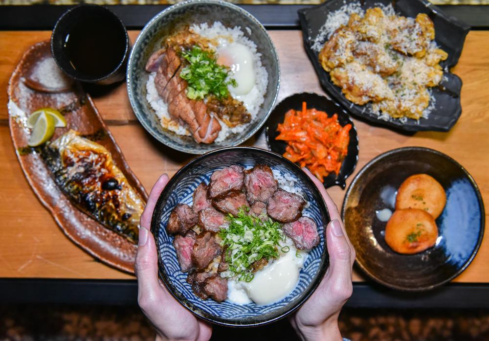 稻.麥食堂:台中西區美食-西餐與日式丼飯的結合原來也可以這麼美味,只賣晚上及消夜場。