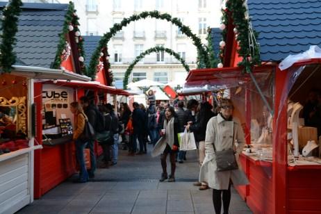 Les allées du marché de noel de Nantes
