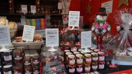 Vente du chocolat dans un chalet du marché de Noël de Nantes