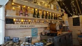 Chalet bar à huîtres sur le marché de Noël de Nantes