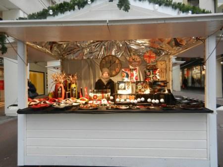 Chalet de décoration sur le marché de Noël de Rouen