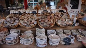 Chalet vendant des galets senteurs sur le marché de Noël de Nantes