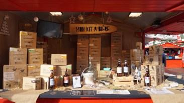 Chalet vendant des bière à faire soi-même sur le marché de Noël de Nantes