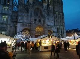 Des chalets fabriqués en France pour le Marché de Noël de Rouen
