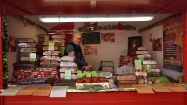 Chalet de pain d'épice artisanal sur le marché de Noël de Nantes