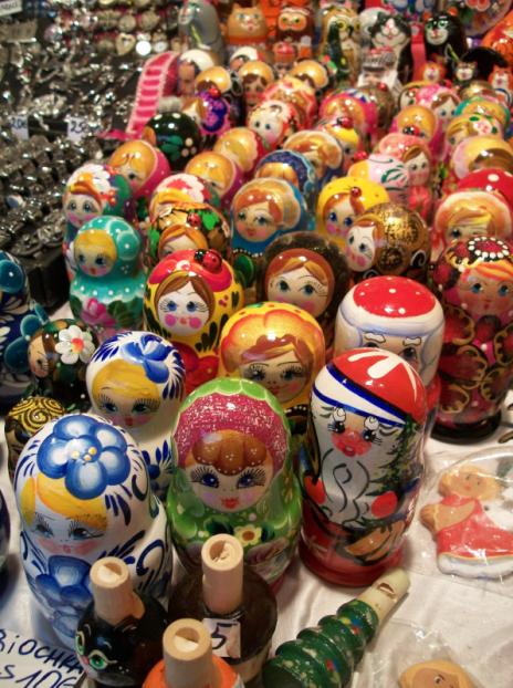 Les poupées russes toujours présentes au Marché de Noël de Rouen