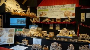 Chalet de puzzle 3D en bois sur le marché de Noël de Nantes