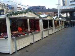 Allée de chalets du marché de Noël de Rennes Colombia