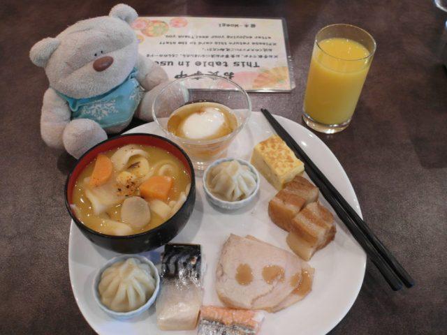 Tom's breakfast at Konansou Mount Fuji Hotel (湖南庄)