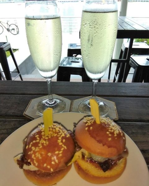 The Pelican Lobster Sliders/Beef Sliders with Prosecco