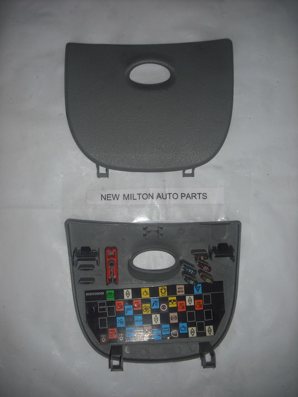 medium resolution of 1996 2003 renault scenic mk1 dash fuse box cover trim panel door light grey