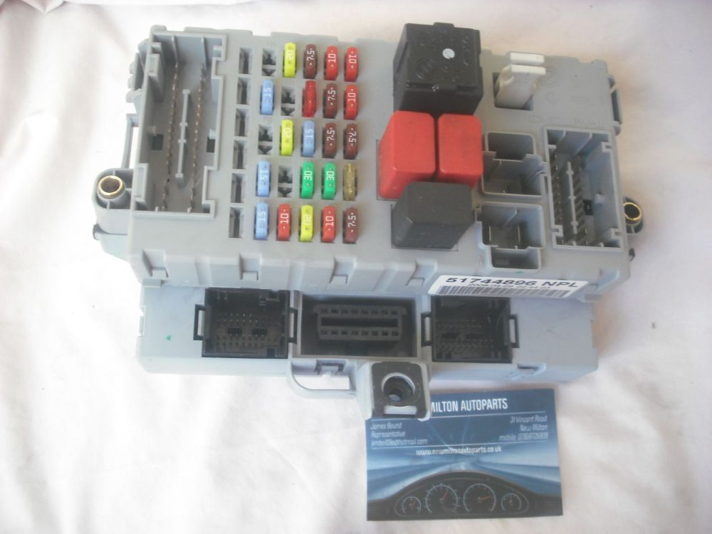 medium resolution of fiat doblo van diesel 1 9 jtd interior under dash fuse box control module 51744896 npl