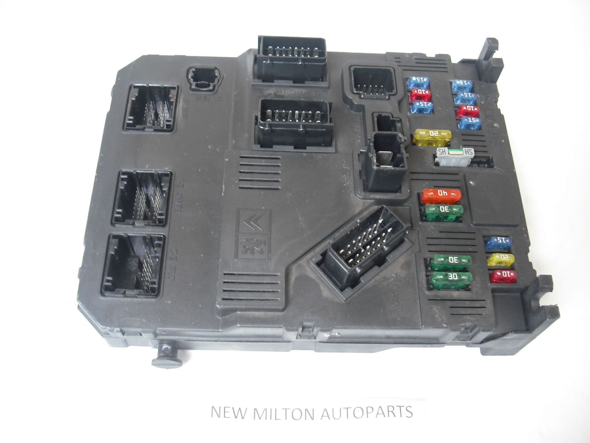hight resolution of peugeot partner combi fuse box comfort controller bsi e01 00 rh 2cb6df 39 ekmpowershop net peugeot partner van 2013 peugeot partner van fuse box layout