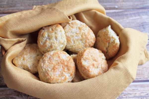 biscuit-in-basket-670x447 2CookinMamas