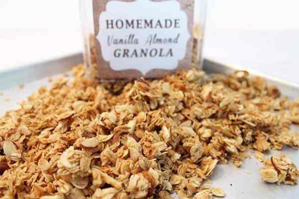 Vanilla Almond Granola 1   2 Cookin Mamas