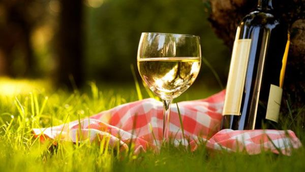 Summer Picnic White Wines