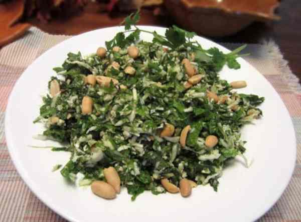 Kale Salad 640 | 2CookinMamas