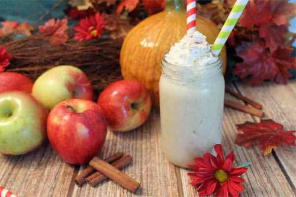 Apple Pie Smoothie 1 | 2 Cookin Mamas