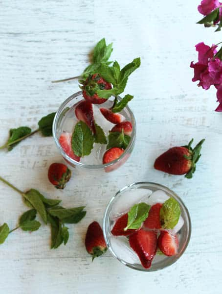 Strawberry Mint Water 2 | 2CookinMamas