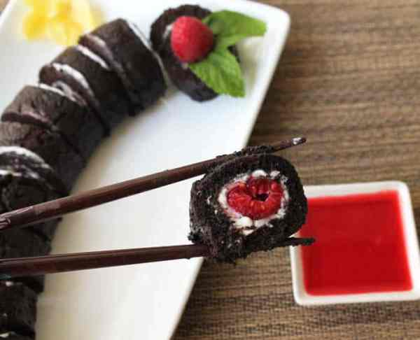 Raspberry Sushi Roll 8 | 2 Cookin Mamas